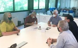 Firma de convenio entre la FAPyD y el Colegio de Arquitectos de Casilda